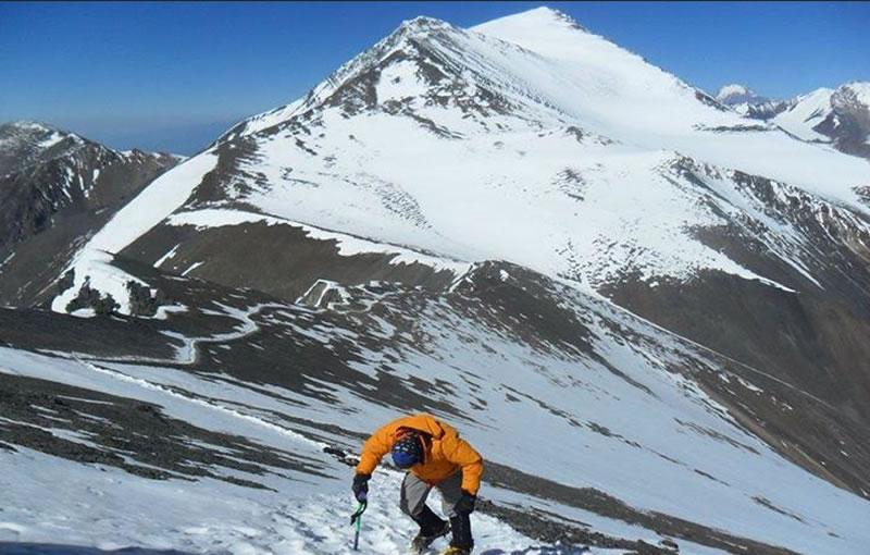 Vallecitos ascent 5450 masl